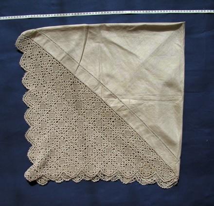 tablecloth, quarter