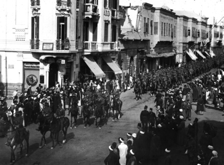 Auckland Mounted Rifles in Cairo, in 23/12/1914. - No known copyright restrictions