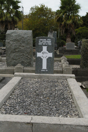 Headstone and grave of George CHAPMAN 38346 at Otahuhu Cemetery - No known copyright restrictions