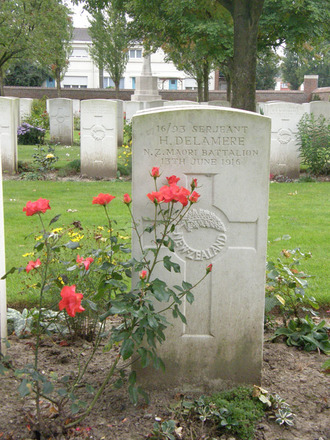 Headstone, Cite Bonjean Military Cemetery (photo R. Young September 2007) - No known copyright restrictions