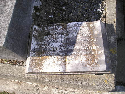 Family grave memorial, Featherston Soldiers Cemetery (provided by Adele Pentony Graham) - No known copyright restrictions