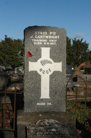 Headstone, Papakura Public Cemetery (photo John Halpin 2010) - CC BY John Halpin