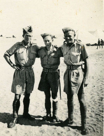 Group, WW2, 18 Battalion, 3 soldiers in the desert, Egypt. Eric Henry McCurdy (middle) (image provided by John Ross) - This image may be subject to copyright