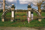 Hokianga Arch of Remembrance, Kohukohu sited at sports field (photo J. Halpin c 1998) - No known copyright restrictions