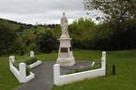 Matakana War Memorial, full view (photo John Halpin 2011) - CC BY John Halpin