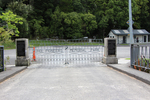 Puhoi War Memorial, gates closed (photo John Halpin, January 2013) - CC BY John Halpin
