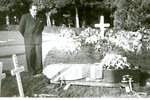 Robert Baker's burial service on 15 June 1953 at Whangarei. - No known copyright restrictions