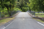 Puhoi War Memorial, view over bridge from Puhoi Village (photo John Halpin, January 2013) - CC BY John Halpin