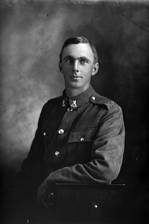 3/4 portrait of Trooper Arthur Frederick Annandale, Reg No 50004, of the New Zealand Mounted Rifles, 29th Reinforcements. (Photographer: Herman Schmidt, 1917). Sir George Grey Special Collections, Auckland Libraries, 31-A3319. No known copyright.