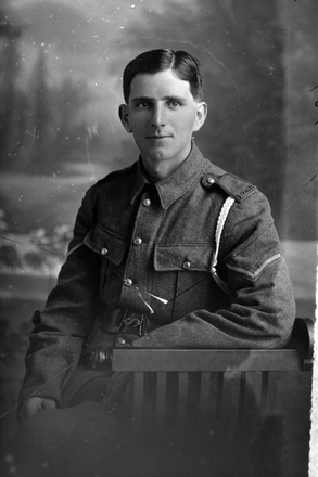 3/4 portrait of Lance Corporal M J Finlayson of the New Zealand Mounted Rifles (Photographer: Herman Schmidt, 1916). Sir George Grey Special Collections, Auckland Libraries, 31-F389. No known copyright.