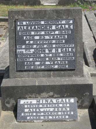 Memorial plaque at Bromley Cemetery, Auckland, for Alexander Gale (s/n 3/10/24) and John William Hunter Gale (s/n16604). Image provided by Sarndra Lees, September 2014. Image has All Rights Reserved.