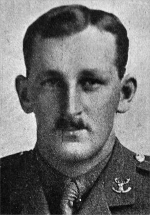 Portrait of Lieutenant Arthur Comyn Pigou (7/260). Image kindly provided by Marlborough memorial project (2009). Image has no known copyright restrictions.
