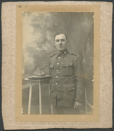Unknown photographer [ca.1915]. [James Crichton in military uniform].  Auckland War Memorial Museum - Tāmaki Paenga Hira. PH-2002-48-17. No Known Copyright Restrictions.