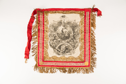 apron; 1991.314.59; Photographed by: Bong Errazo; photographer; digital; 25 Jul 2016; © Auckland Museum CC BY