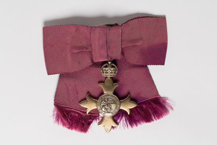medal, order, 2001.25.761, Photographed by Andrew Hales, digital, 26 Jul 2016, © Auckland Museum CC BY