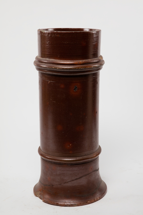 pot, chimney, 1985.358.25, col.3492, 25, Photographed by Andrew Hales, digital, 28 Nov 2016, © Auckland Museum CC BY
