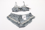 Elle MacPherson Intimates matching bra and underpa...