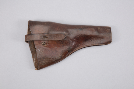 holster, pistol, W2047, U201, Photographed by Richard NG, digital, 20 Feb 2017, © Auckland Museum CC BY