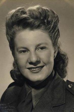 Portrait of WAAF/WAAC Beth Tietjens (W3261) in uniform. Image kindly provided by Janet Wade (September 2017). Image may be subject to copyright restriction.