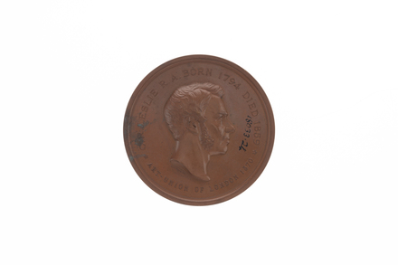 medal, commemorative, 1932.233, N2293, 18033.24, 691, BHM 2911, Photographed by Denise Baynham, digital, 15 Jan 2018, © Auckland Museum CC BY