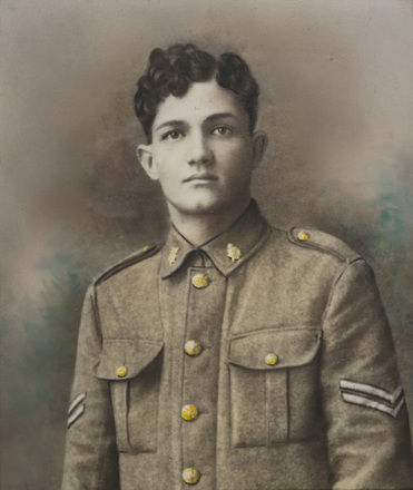 Portrait of Fasene Dawson in uniform. Image kindly provided by Lilian Fascene (April 2018). Image has no known copyright restrictions.