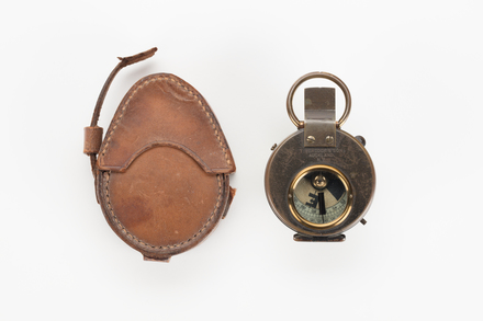 compass and case, 1974.103.10, col.3293, 1990.138, Photographed by Richard Ng, digital, 17 Aug 2018, © Auckland Museum CC BY