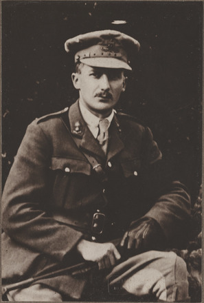 Portrait of Captain Leonard Poulter Leary, Archives New Zealand, ALZ 25044 2 / F1080 44. Image is subject to copyright restrictions.