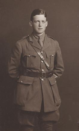 Portrait of Lieutenant  Leslie Cecil Lloyd Averill, Archives New Zealand, AALZ 25044 2 / F916 49.