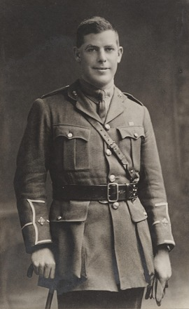 Portrait of Lieutenant Lennard Power Harty, Archives New Zealand, AALZ 25044 1 / F738 25. Image is subject to copyright restrictions.