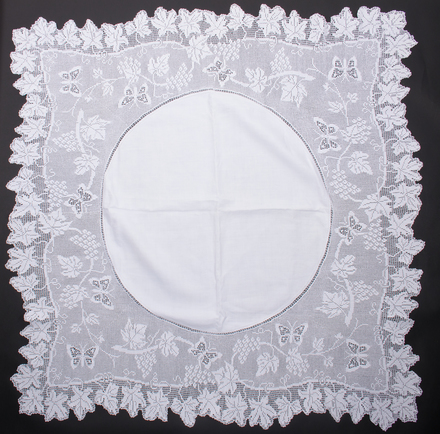 Table cloth, crochet, 2017.33.8, All Rights Reserved