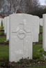 Headstone of Private Ernest Charles Bealing (3/983). Hooge Crater Cemetery, Ieper, West-Vlaanderen, Belgium. New Zealand War Graves Trust (BEBS6746). CC BY-NC-ND 4.0.