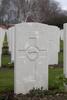 Headstone of Private Ernest Charles Bealing (3/983). Hooge Crater Cemetery, Ieper, West-Vlaanderen, Belgium. New Zealand War Graves Trust (BEBS6747). CC BY-NC-ND 4.0.
