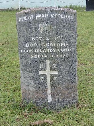 Gravestone of Private Bob Ngatama, Muri Cemetery, Muri, Rarotonga, Cook Islands. Image kindly provided by Ian Proctor (November 2019). Image may be subject to copyright restrictions.