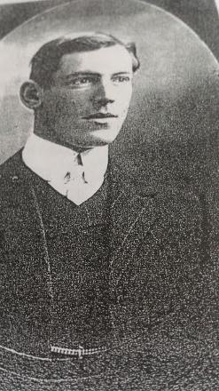 Circa 1914 portrait