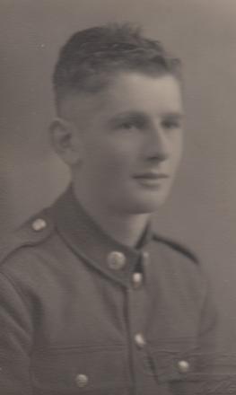 NZ442304 Desmond Garrod Alderton RNZAF b=1922 Died 20 June 2011 @ Whangarei