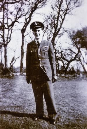 Portrait of Harold Halligan (NZ4215241) taken at Sidmouth England, 1944.