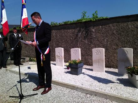 A commemoration in Plougoumelen, a small village in Brittany, the west part of France. Two soldiers in this cemetery are from New Zealand - Warrant Officer Robert Jack Braddock and Pilot Officer Henare Whakatau Uru.