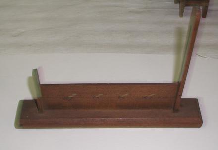 model, instrument of punishment, stocks [4710.3]