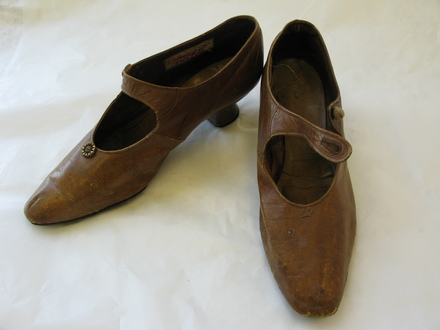 shoes, pair, tan leather