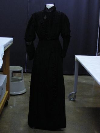 dress, woman' s