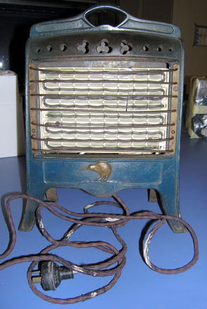 'Kiwi' electric heater [2006.32.2]