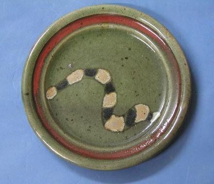 plate, snake
