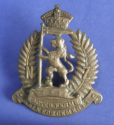 badge, regimental 2004.131.4