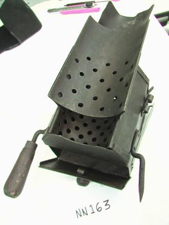 Charcoal heater for German MG 08 (acc.1951.211 - vchr 35/18) [NN163]