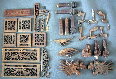 wooden pieces