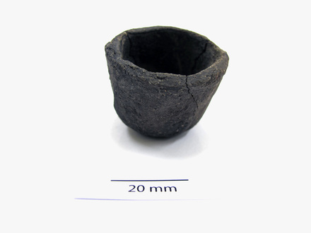 pot, miniature 2012.19.6
