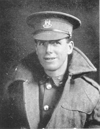 Portrait of William Farquharson Bey, Wanganui Collegiate Roll of Honour. Image has no known copyright restrictions.