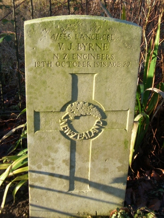 Headstone, Codford St. Mary ANZAC Cemetery (January 2011) - No known copyright restrictions