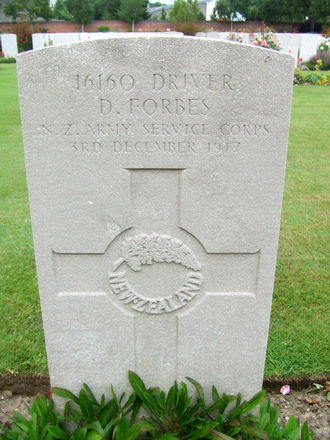 Gravestone, Faubourg D'Amiens Cemetery, Arras (photo G Fortune) - Image has All Rights Reserved