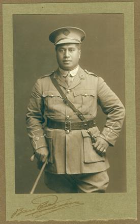 Bartlett, W.H. (ca. 1914-1918) Maori soldier. Auckland War Memorial Museum - Tamaki Paenga Hira. PH97/2 env6.10. No known copyright restrictions.